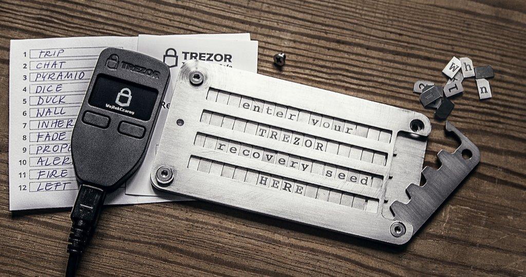 TREZOR und Cryptosteel